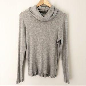 Treasure & Bond Gray Ribbed Turtleneck Sweater M